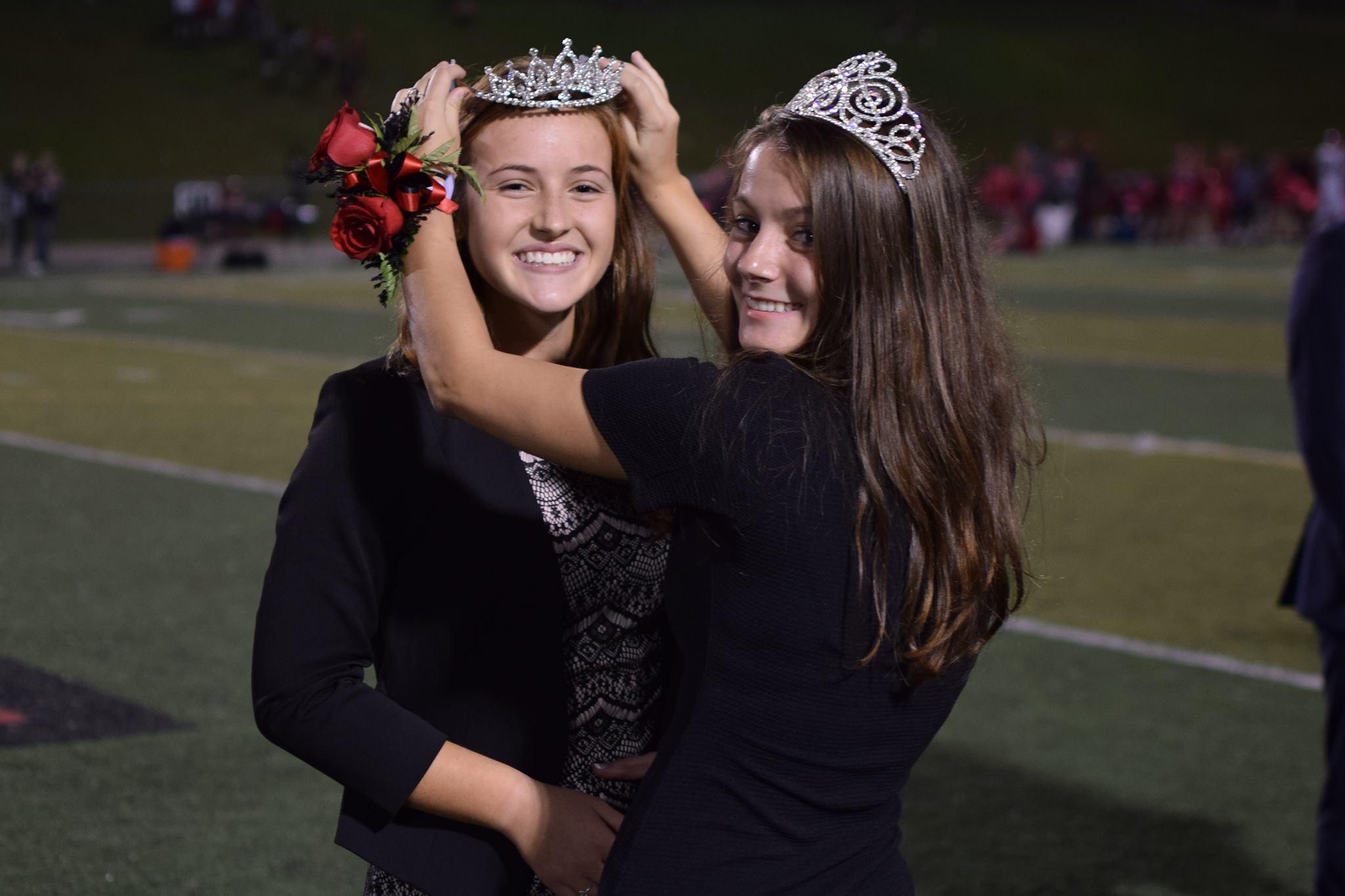 Grace Margita crowned Homecoming Queen 2018!