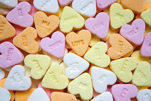 Top 5 OUTRAGEOUS types of gifts to get your significant other on Valentine's Day