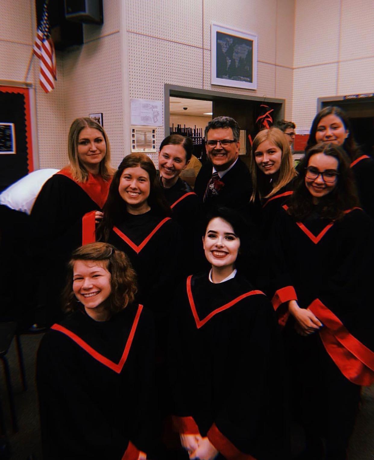 IHS says goodbye to favorite teachers