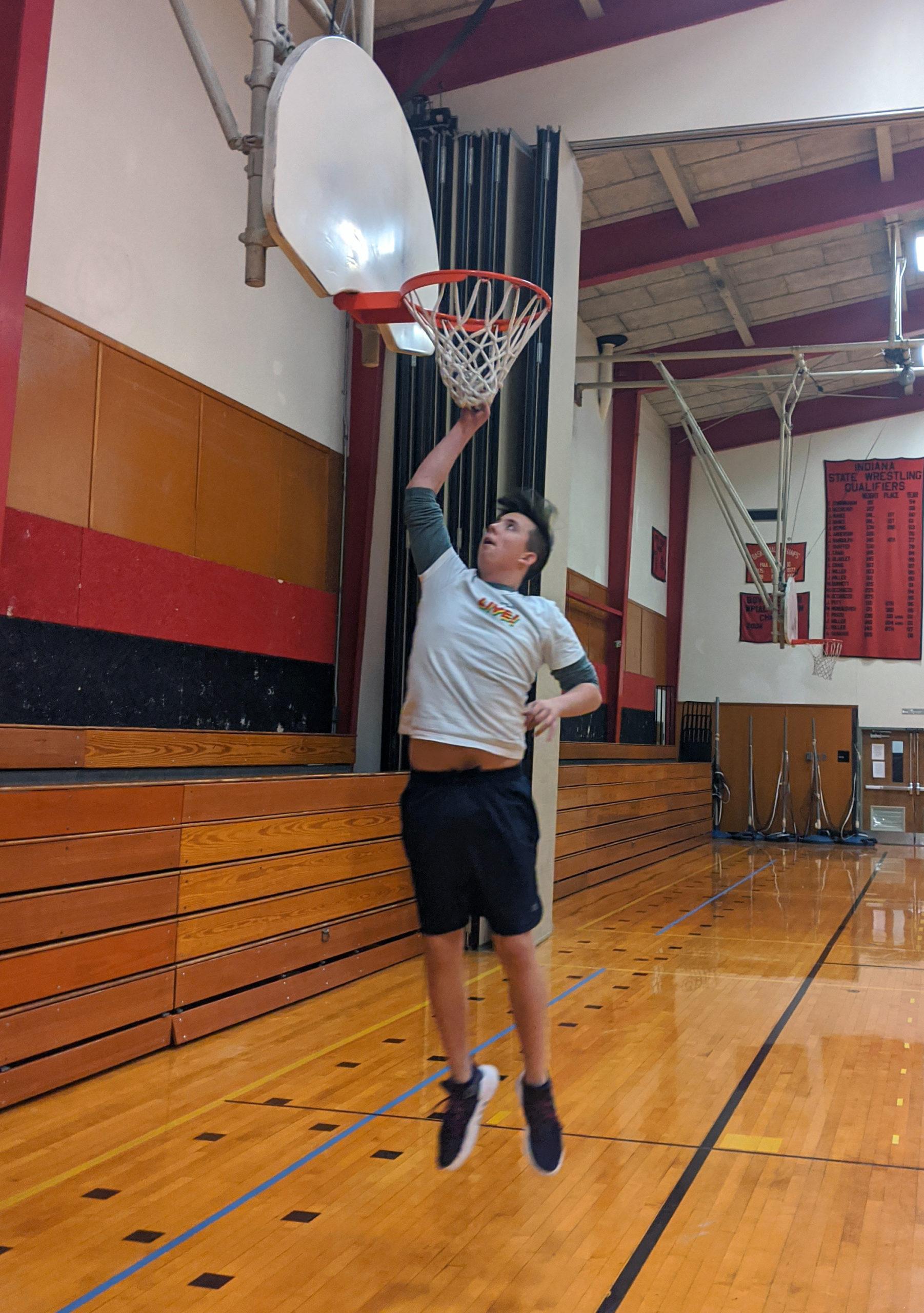 Freshman boy's basketball jumps into the season